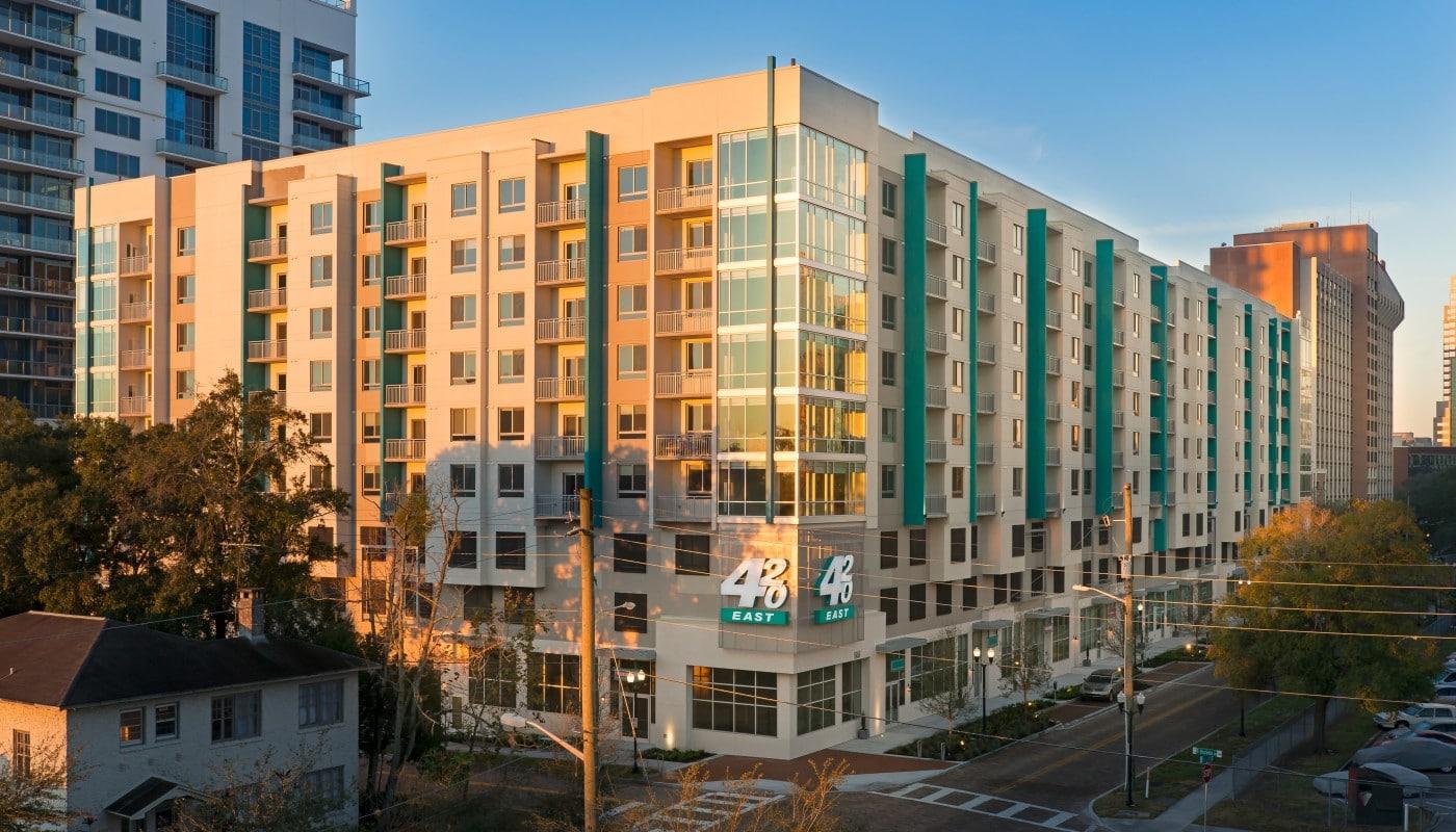 420 east apartment building exterior - jefferson apartment group
